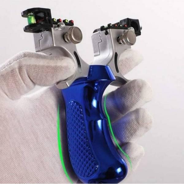Легкая мощная боевая рогатка с лазерным прицелом
