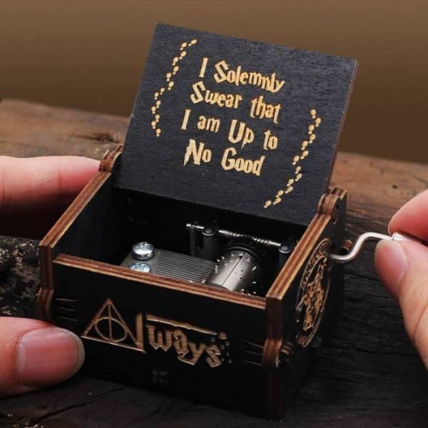 Музыкальная шкатулка Harry Potter Гарри Поттер (черная)